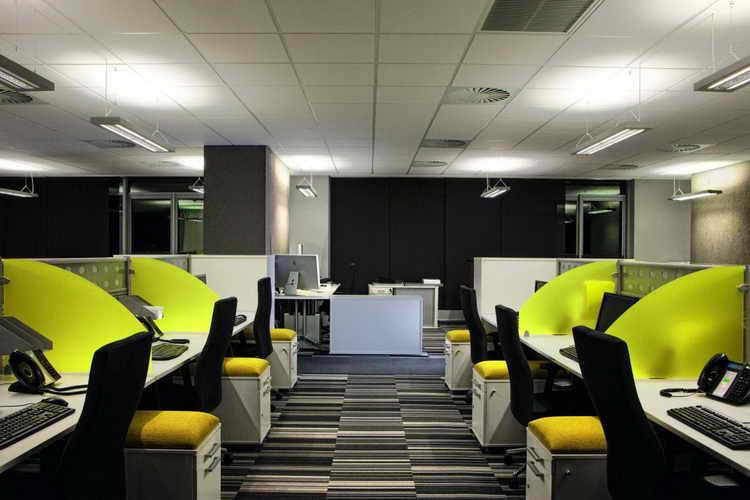دفتر کار باز تنشهای محیط کار را افزایش میدهند