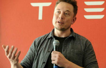 ایلان ماسک: برای تغییر دادن دنیا باید ۸۰ تا ۱۰۰ ساعت در هفته کار کرد