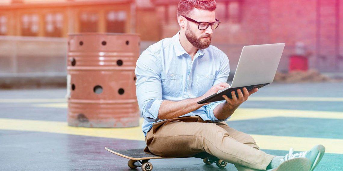 تفاوت کسب و کار الکترونیک با تجارت الکترونیک
