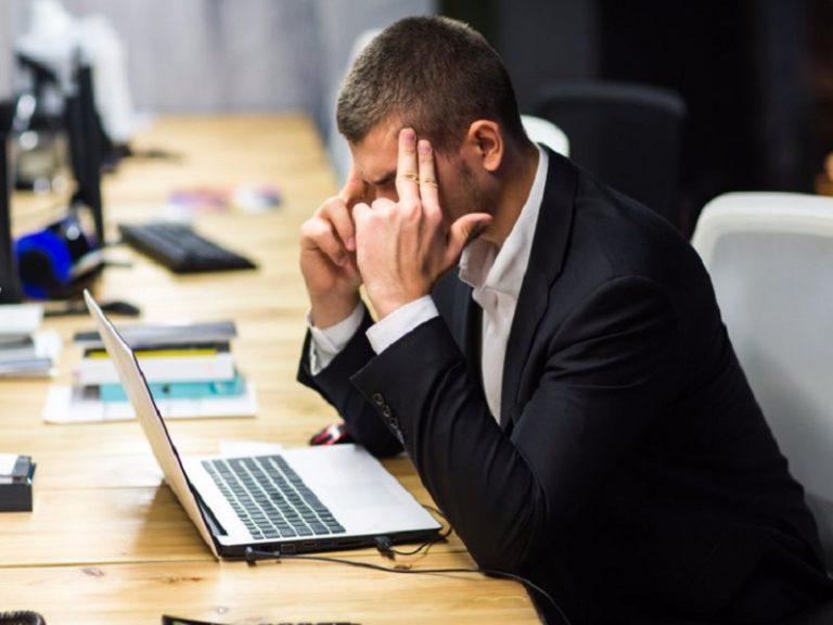 ۱۰ روش ساده برای داشتن سلامت در محل کار