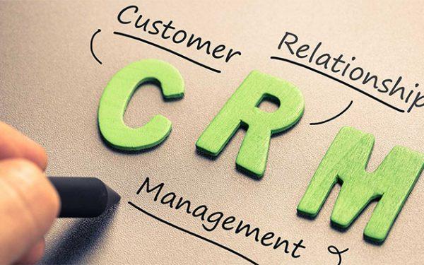 CRM چیست؛ آشنایی با اهمیت و کاربرد مدیریت ارتباط با مشتری در کسبوکارها