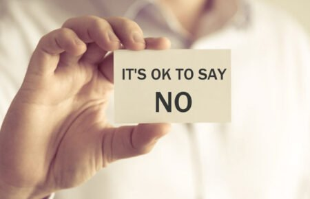 سه گام ضروری برای نه گفتن در محیط کار که باید یاد بگیرید